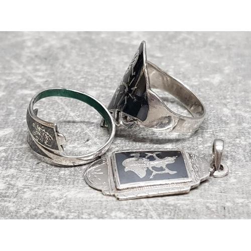 21 - 2 Niello silver rings and silver Niello pendant, 10.3g