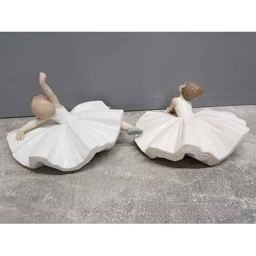 47 - 2 Nao by lladro Ballerina figures 1283 Dance class and 1423 Dancer pose, fingers damaged on dancer p...
