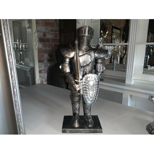 193 - METAL TABLE TOP SUIT OF ARMOUR