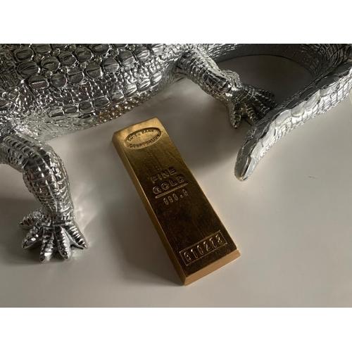 207 - REPLICA 1KG GOLD BAR DECORATIVE PAPERWEIGHT