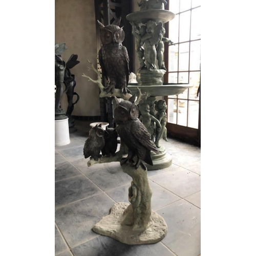 63 - EXCEPTIONAL CAST BRONZE TREE WITH CAST BRONZE PERCHED OWLS
