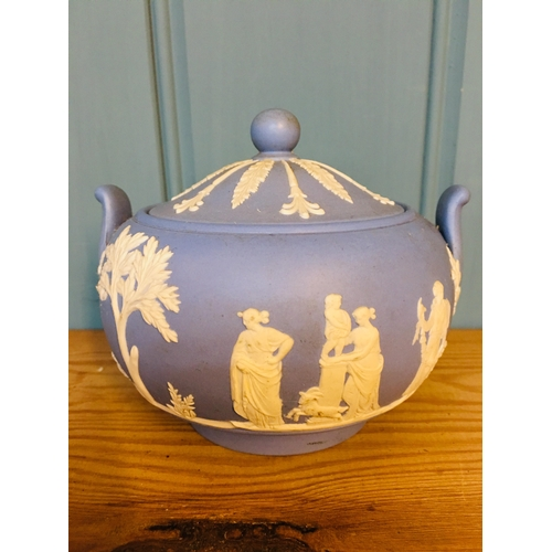 15 - Wedgwood blue and white dish with lid w12 h10cms...