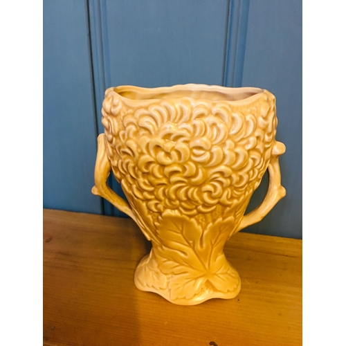 22 - Sylvac Vase no 2118...