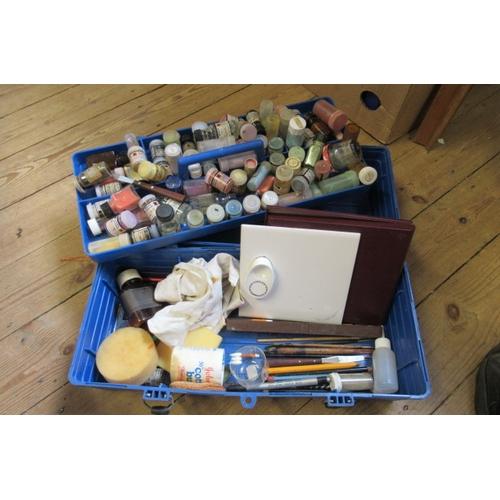 366 - BOX OF ARTISTS PIGMENTS ETC...