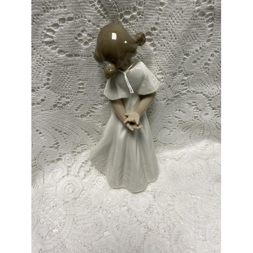 19 - NAO FIGURINE OF A GIRL 8