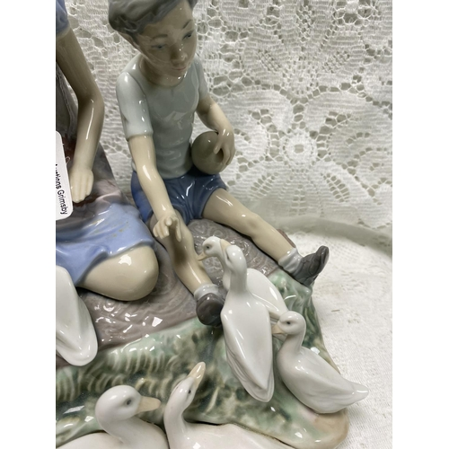 38 - LLADRO LARGE PORCELAIN FIGURINE REF:5303 PLAYING WITH DUCKS AT POND RETIRED RARE PIECE...