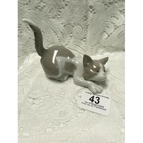 43 - LLADRO CAT 4