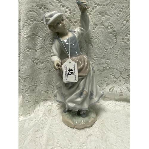 45 - LLADRO LADY WITH A BIRD IN HER HAND 11