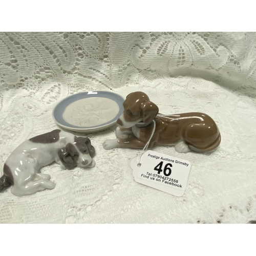 46 - 3 X LLADRO PIECES MINIATURE PLATE AND 2 DOGS...