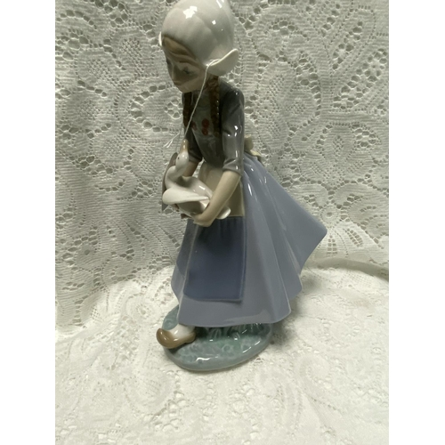 47 - LLADRO GIRL WITH PIGTAILS HOLDING A DUCK 11