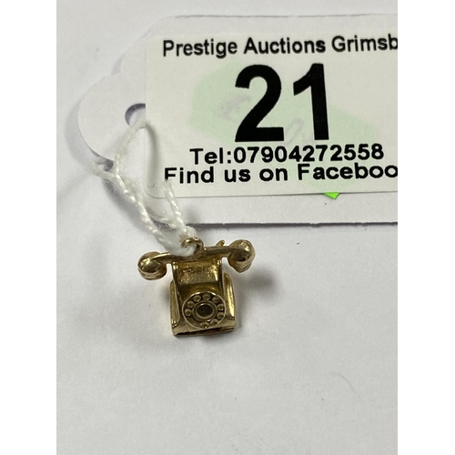 21 - 9CT GOLD TELEPHONE CHARM/PENDANT 2.6G...