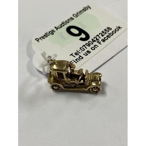 9 - 9CT GOLD VINTAGE CAR CHARM/PENDANT 3.2G