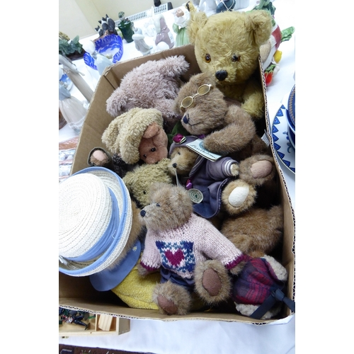 53 - A good box of collectors teddy bears - top name brands...