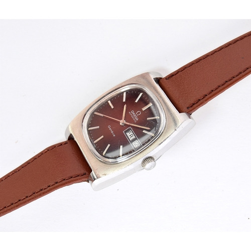 41 - A GENTLEMAN'S STAINLESS STEEL OMEGA GENEVE WRIST WATCH CIRCA 1970, REF 1660188, GRADUATED BURGUNDY, ...