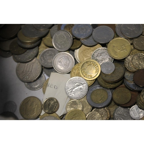 22 - A COLLECTION OF WORLD COINS