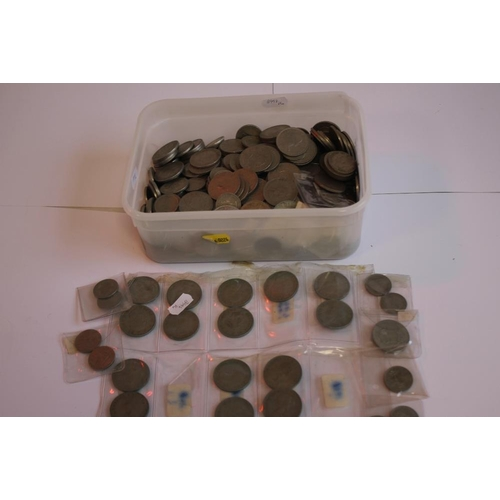 47 - A TUB OF BRITISH AND WORLD COINS,  to include a selection of half Crowns