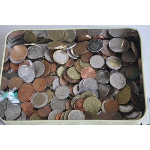 40 - A TIN OF WORLD COINS TO INCLUDE A QUANTITY OF EUROS, together with a small collection of bank notes ...