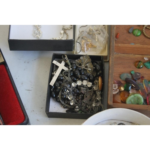 8 - A TUB OF COSTUME JEWELLERY AND WATCHES
