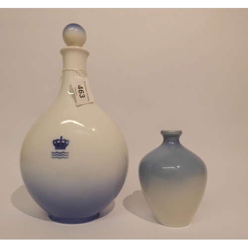 463 - A Copenhagen blue and white wine flagon decorated with Rosenberg castle, 9 1/2