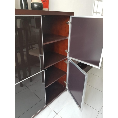 34f - 'Jolly' Dark Brown Four Door Display Cabinet with Eight Shelves (Four Side-by-Side, 108 x 45 x 131 c...