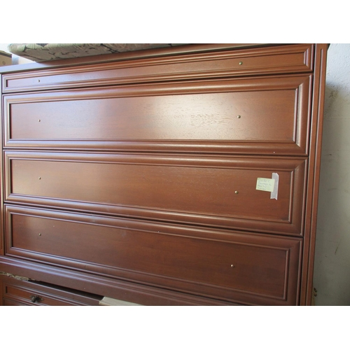 39 - Classical Style 4 - Drawer Chest of Drawers (A/F Cracked / Damage on the Rear Top) ***NO RESERVE***...