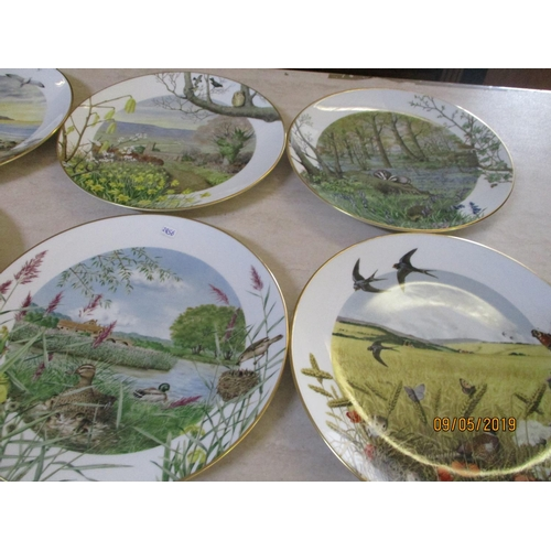 38 - Collection ''Calendar'' of Royal Worcester Porcelain Plates by Peth Banett...
