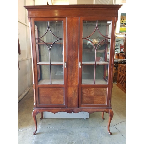 10 - Edwardian Mahogany Display Cabinet, Lined Interior, 3-Shelves Astricle Bar Doors & Cabriole Legs...
