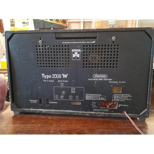25 - Vintage Grundig 2008UKW Radio, Serial Number: 14620448...