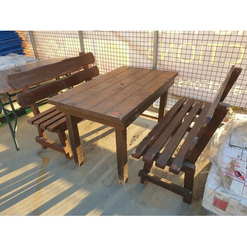 35E - Solid Wood Table with 2 x Benches (3) [C] (120cm x 70cm x H:75cm)...
