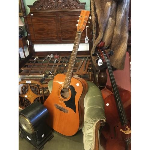 1057 - Italian 1960's guitar....
