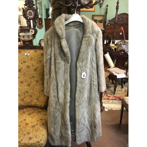 722 - Ladies Fur coat....