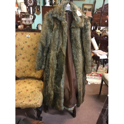 725 - Ladies Fur coat....