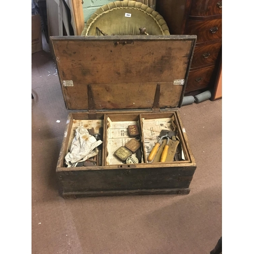 850 - Old carpenter's tool box with tools....
