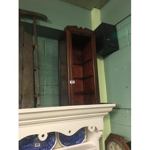852 - 1930's display case....