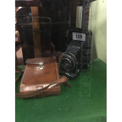 125 - 1930's KODAK camera....