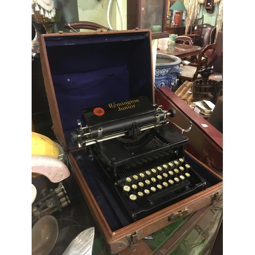 145 - 1930's REMINGTON JUNIOR typewriter in original box....