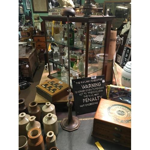 226 - Art Deco hat shop display stand....