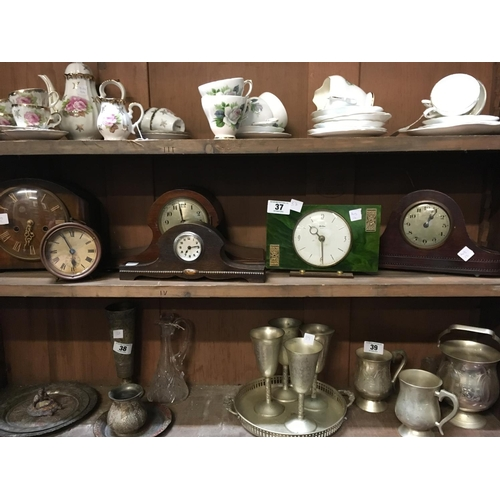 37 - Collection of mantle clocks....