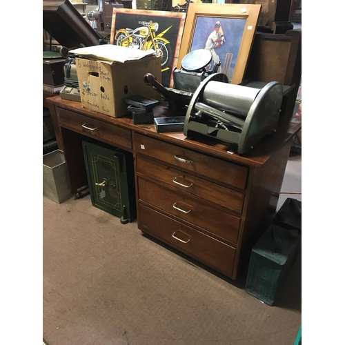 77 - 1960's mahogany kneehole desk....