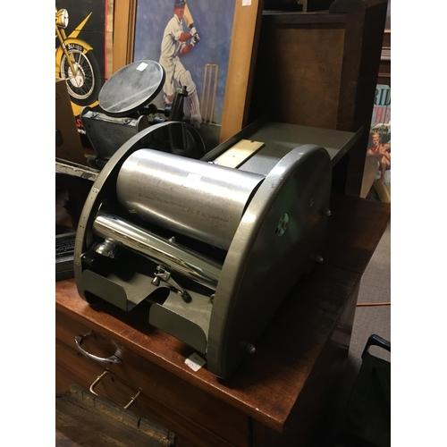 78 - 1950's Paper cutter....