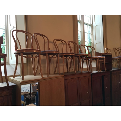160 - Set 6 bentwood chairs....