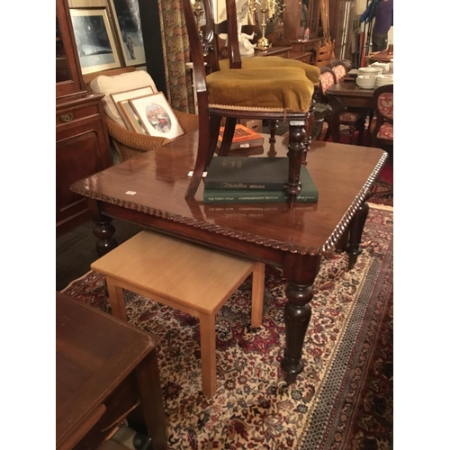 464 - Mahogany rope edge Victorian dining table....