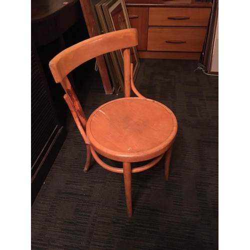 484 - 6 bentwood chairs....