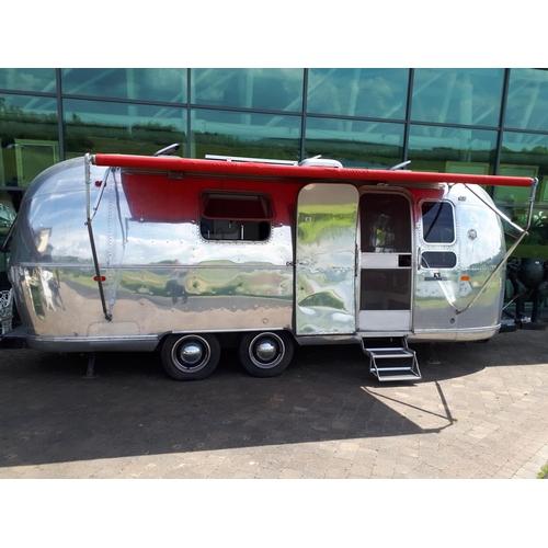 436 - American Airstream Land Yaught Safari caravan....