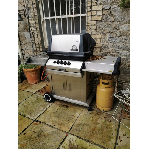 42 - Broil King Imperial Gas Barbeque....
