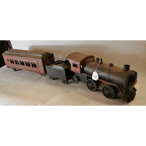 15 - Metal carriage train...