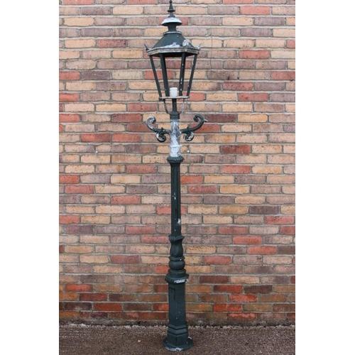 213 - Aluminium street light {230 cm H x 30 cm Dia}....
