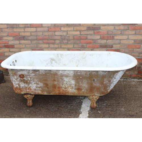 218 - 19th C. cast iron bath....
