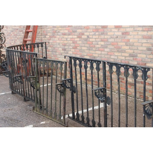 51 - Collection of curved black metal railing with brackets {111 cm H x 620 cm W x 190 cm out from the wa...