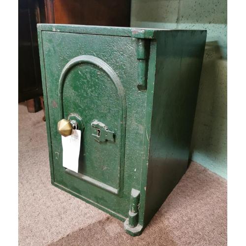 31 - Early 20th C. safe {51 cm H x 36 cm W x 38 cm D}.